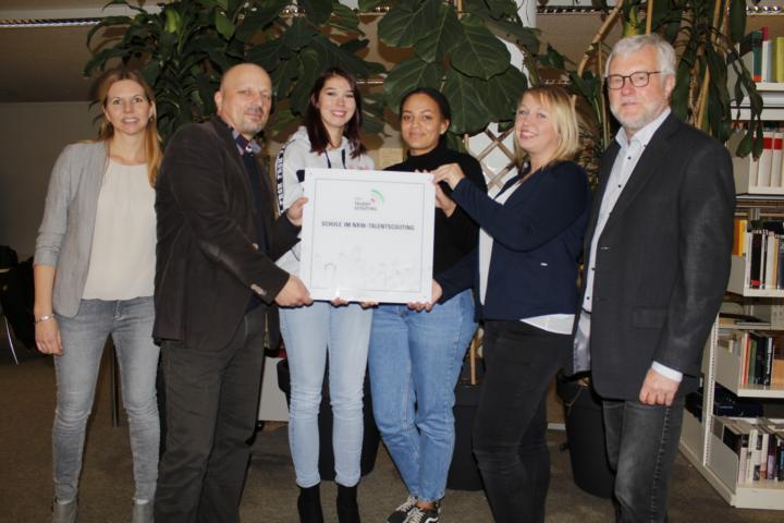 Plakettenvergabe an der Willy-Brandt-Gesamtschule in Bottrop